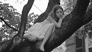 la niña de la hoguera, Benedetti